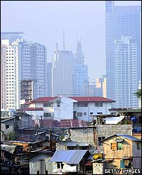 manila-rich-and-poor.jpg