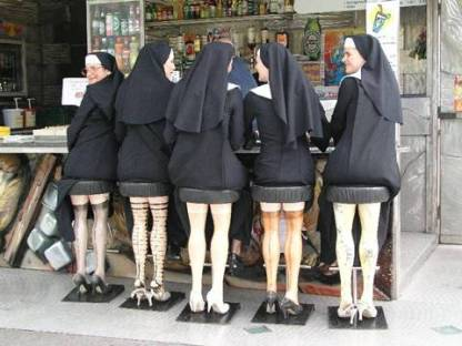 nuns-705157.jpg